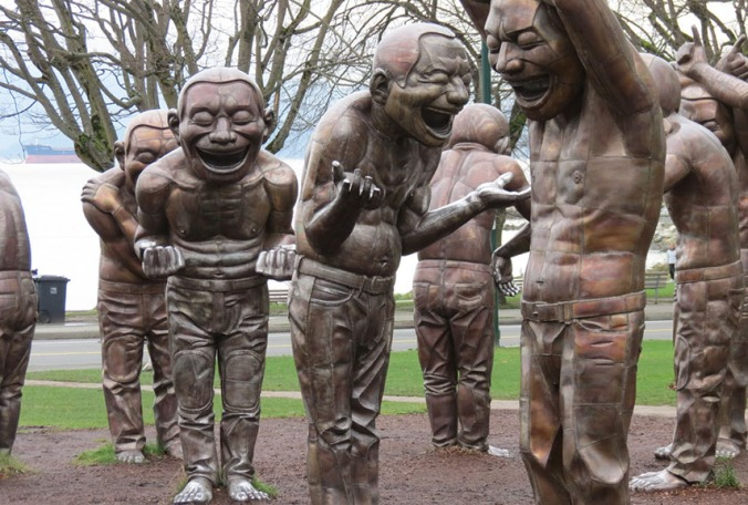 Yue-Minjuns-iconic-scupltures-A-maze-ing-Laughter.-Image-via-vancouverstreetblog